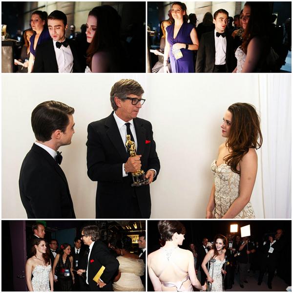 24/02/1385e Cérémonie des Oscars à Los Angeles. Kristen est arrivée avec béquilles, à la suite d'une vilaine entaille sur du verre. Courageuse, elle a posé sans  elles pour les photos et les a reprises pour partir, toujours avec le sourire ! Même durant la cérémonie elle a boité jusqu'au devant de la scène pour remettre un prix avec Daniel Radcliffe.