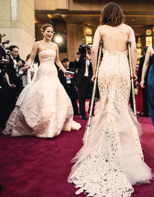Anne Hathaway, Jennyfer Lawrence et Demi Lovato mentionnent Kristen.