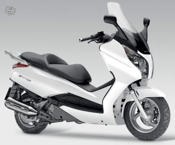 ..-**-..-**-.. Mon nouveau scooter  j'adore  ..-**-..-**-..