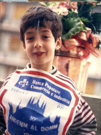 Cassata Siciliana _Homard à l'americaine _Babotie  _Chocolate vodka _broccoli alla Siciliana _Cuban pork hash _  Purea  di  acciughe  svedesi  + Missy's famous bacon blue cheese burgers + Aringhe  all' estone +Penne con melanzane,ricotta e pomodori secchi ( Sicilia )