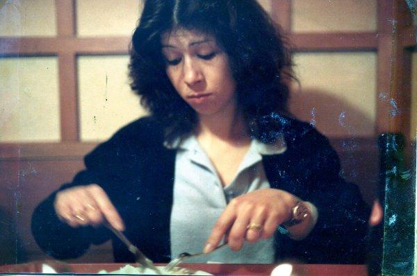 Kachori_Panada di anguilla _ Vongole alla moda _Singapore noodles_ Spaghetti alla Siracusana _Canard à l'orange_Ukha _ San Francisco  seafood stew ( cioppino )  + Risotto alla birra con salsiccia + Flan patissier +  Pizzoccheri  +  Vellutata di sedano , rapa e gamberi +  Cookies pistaches , chocolat  blanc + salsa Amatriciana + Cake fraises-pistaches beurre