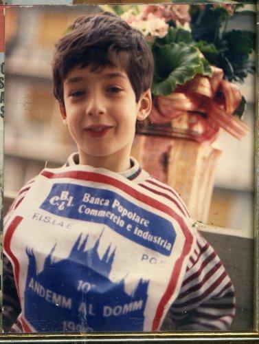 Aloo TIKKI_ Fondue de queso y cerveza _Agnello in calderata _Pumpikin a la village_Zuppa di S.Francesco_Russian Borstch _ Cake  Napoleon_ Bretzels_Risi e Bisi _ Sfogliatelle frolle _Torta Caprese _Arroz con camaròn + Pechuga de pintada axtremena alla salsa di miele Villuecas +Magret de pato ,salsa especiada y viruas +  Chili con carne e fagioli