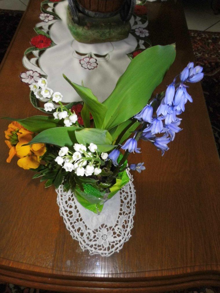 petit bouquet de bonheur offert par mon petit mari <idefix43>