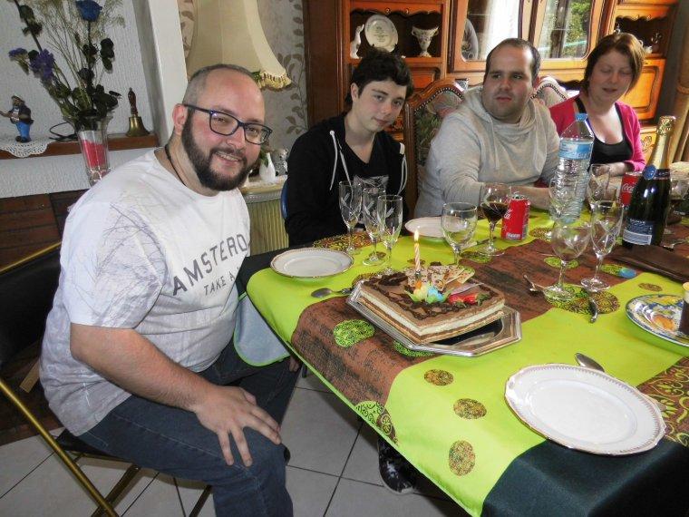 repas d anniversaire de mon fils raphael avec sa petite famille