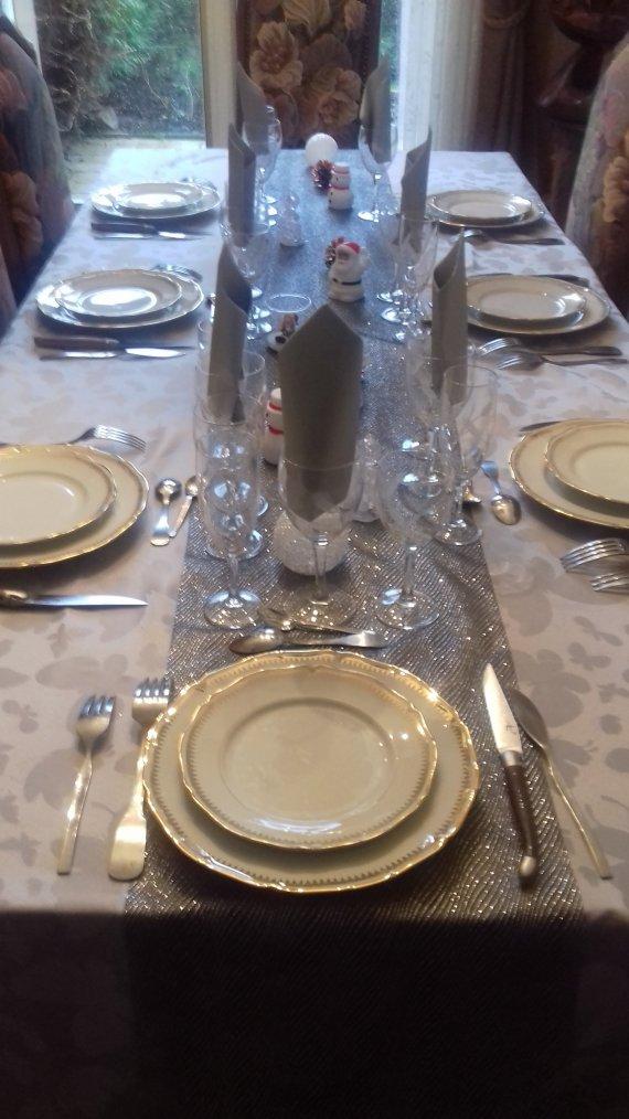 voila ma table prete pour mes invites le jour de l an