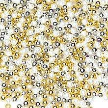 Set de perles dorées, argentées et blanches