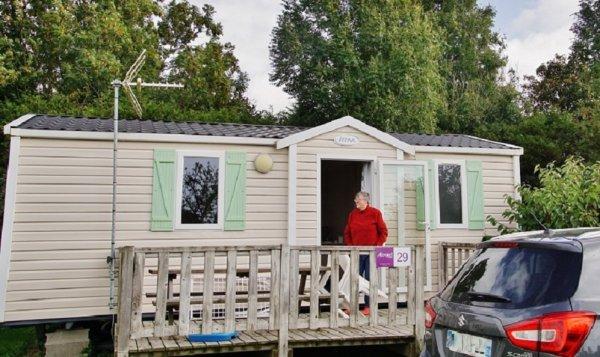 notre Mobil homme a Les Loges en Normandie Camping L'Aiguille-Creuse