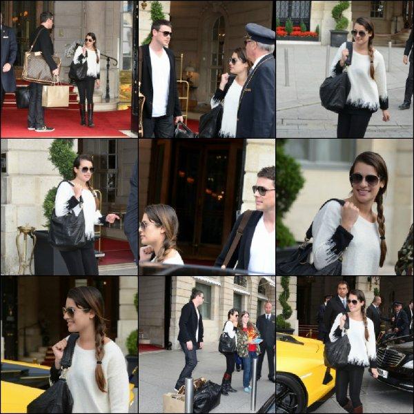 Cory & Lea quittant leur hotel a Paris le 3juillet2012
