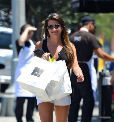 Lea Michele dans Los Angeles 22juillet2012