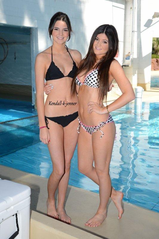 Photoshoot en maillot de kendall kylie kendall jenner for Salle de bain kylie jenner