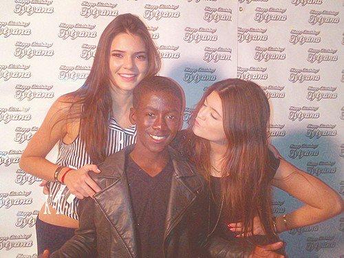 Une photo de Kendall & Kylie lors d'un sweet 16 + Photo pour KUWTK!