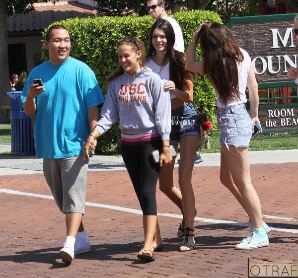 6 septembre. Kendall , Kylie et des amis à Malibu + Photo perso.