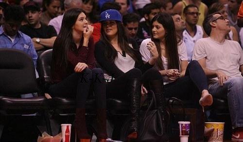 18 octobre . Kendall et sa famille au match de Lamar .