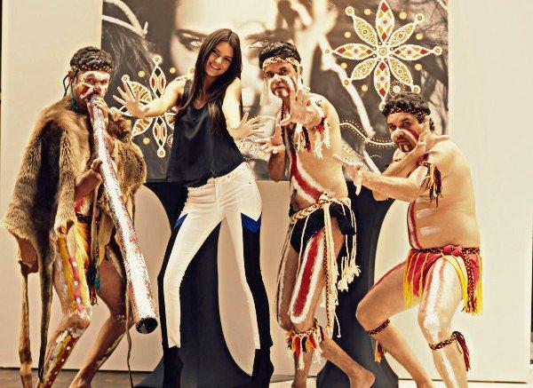 1 Novembre - Kendall était au launch de Nomad Two Words
