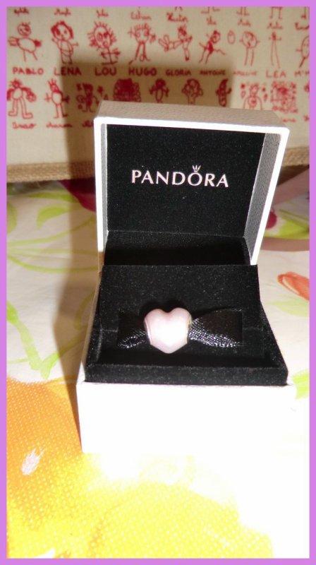 Cadeaux pour la Fête des Mères et aussi en ce qui concerne l'ajout pour le bracelet pour mon anniversaire qui est bientôt :)