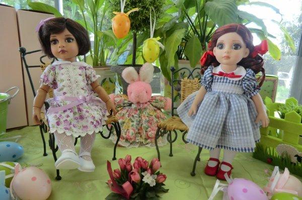 Fancy (la brune) et Patsy (la rousse), poupées Effanbee vous souhaitent, unies à moi, de JOYEUSES PÂQUES !! 2/3