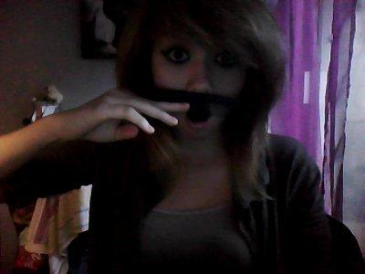 Je veux une moustache!!