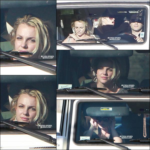 """13/12/1O: Britney dans sa Mercedes avec Bret ,elle sortait du magasin """"BCBG"""" dans Los Angeles."""