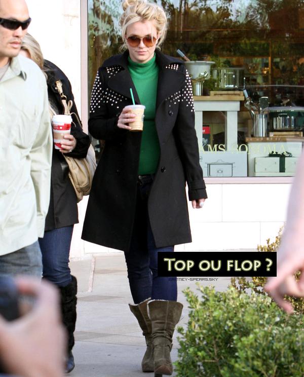 le 22 novembre, Britney est allait manger à starbucks à Calabasas en Californie.  Top ou Flop ?