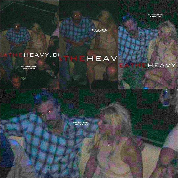 """30/01/11 : Britney et son chérie Jason      ont  étaient vuent à une fête au club """"LIV"""" à Miami."""