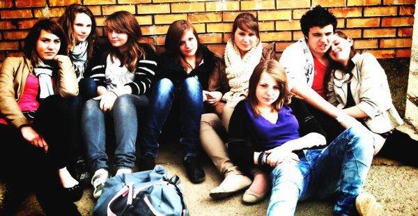 Je préfère souffrire de l'absence d'un amis que de l'absence d'un amour ..