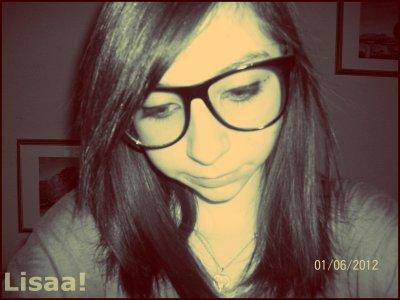 Sois tu m'accepte comme je suis, sois tu décale..♥♥.