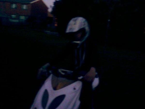 moi avec le scoot 2010