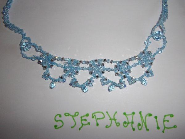 collier couleur bleu lagon