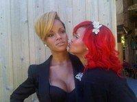 Rihanna présente sa statue de cire