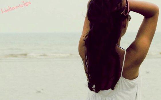 Parfois, j'aimerais remonter le temps. Pour savoir que t'aimer était une erreur. Savoir que tu n'en valais pas la peine. Et ne pas m'attacher à toi. A ton image, à ta voix, à toi.. Oui, parfois j'aimerais remonter le temps pour m'éviter de penser constamment à toi, et faire comme si tu n'existais pas pour moi. Saison 2
