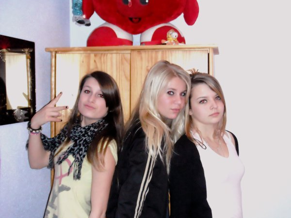 Mélanie , Manon et Sophie .