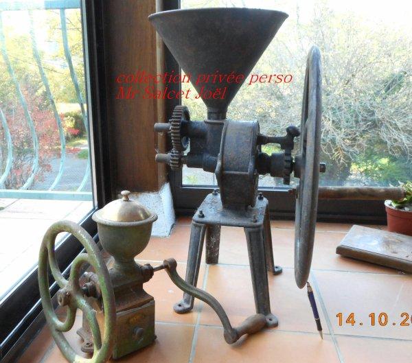 imposant moulin à grains céréales et café sur pied