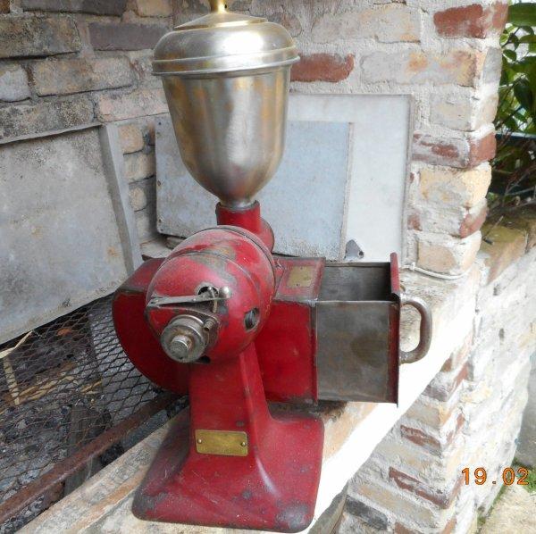 Moulin électrique comptoir de bar épicerie fabrication Alsacienne Altkich mocca