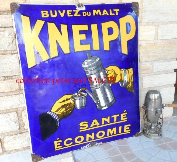 ancienne grande plaque émaillée KNEIPP BUVEZ DU MALT, 70 cm X 84 cm