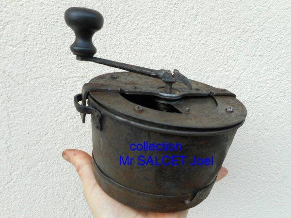 Ancien moulin à café réglementaire de troupe 14-18 « klepper » WW1