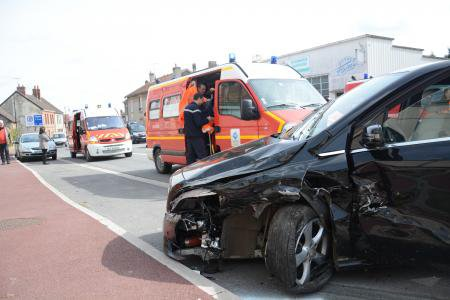 VENDREDI 27 MARS 2015 - UN CONDUCTEUR S'ENDORT A MONTMORT