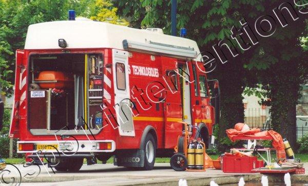 VENDREDI 13 NOVEMBRE 2015 - FUITE DE MATIERES DANGEREUSES A VITRY-LE-FRANCOIS