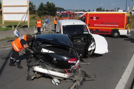 LUNDI 15 AOÛT 2016 - ACCIDENT ROCAMBOLESQUE A TINQUEUX