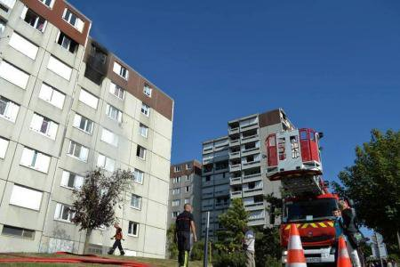 MARDI 6 SEPTEMBRE 2016 - FEU D'APPARTEMENT AVENUE BONAPARTE A REIMS