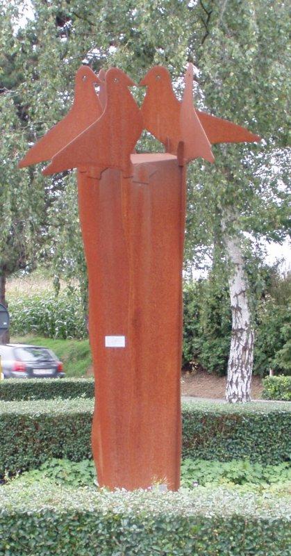 """monument au bas du MONT ROUGE frontiére franco-belge de Lili Willemsen 11/09/2006 """" les 5 pigeons """""""