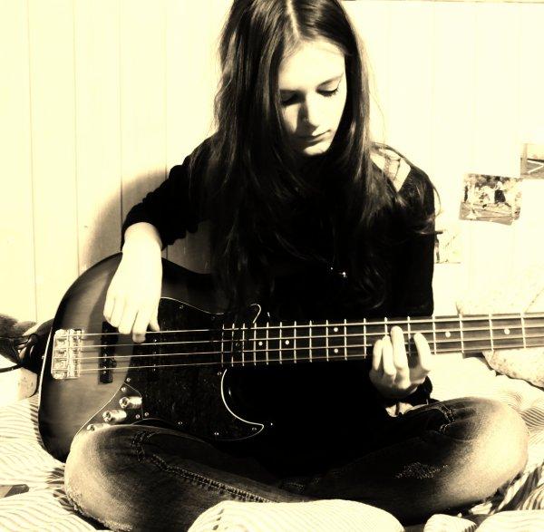 J'aime ma basse ♥ !