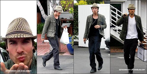 22 avril 2012 : Ian Somerhalder a été vu en compagnie dans ses amis à Venice beach. Ajoutes-moi à tes amis ♥ - ajoute-moi dans tes favoris ♥ - Newsletter ♥