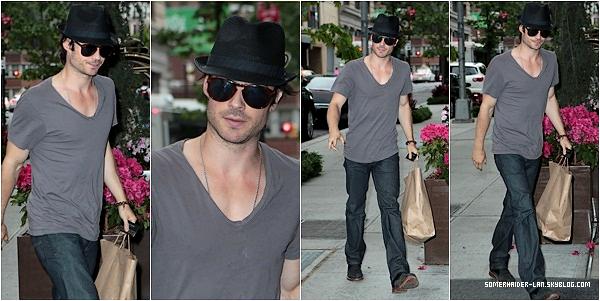 14 Mai 2012 : Ian rentrant dans son hotel à New york . Ajoutes-moi à tes amis ♥ - ajoute-moi dans tes favoris ♥ - Newsletter ♥