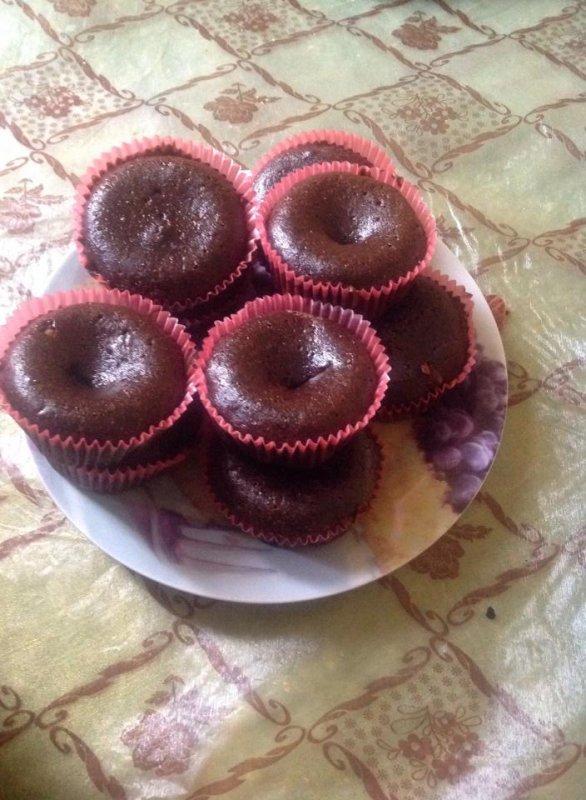 Aighttttt.... Voici des petits coulants au deux chocolats!!