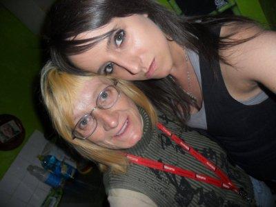 Voici ma merveilleuse mère et ma belle soeur que j'aime.