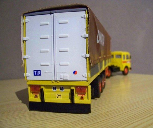 camions d 39 autrefois moyen orient camions passion 2. Black Bedroom Furniture Sets. Home Design Ideas