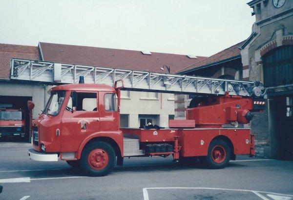 vue sur le coté de l'ancien EPA du CSP de Montluçon de 1985