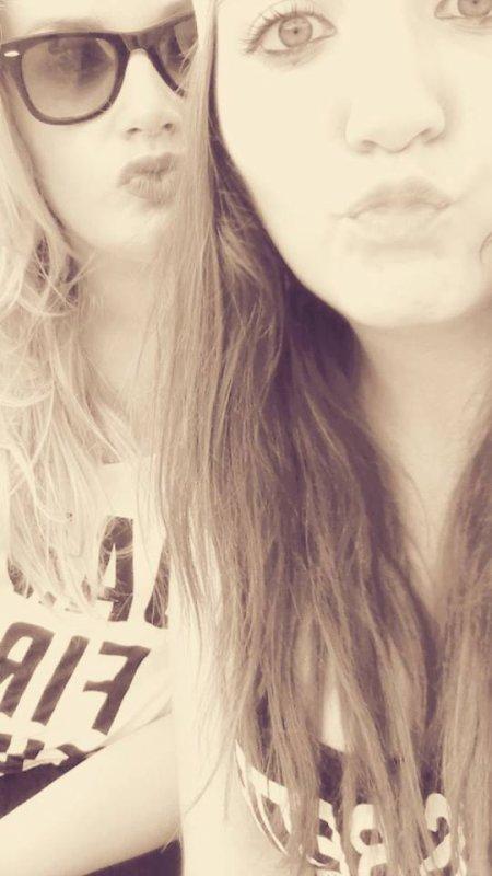 Indispensable a ma vie, ma meilleure amie .. ♥