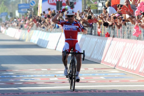 Tour d'Italie 2013 (3eme étape) : victoire du vétéran italien Paolini...