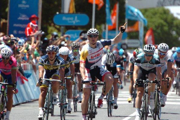 Tour de Belgique 2013 (2eme étape): Greipel bisse à Ninove...